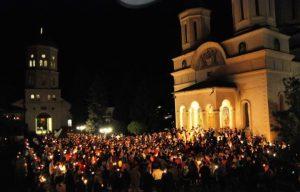 Noaptea de Înviere, lumina sfântă